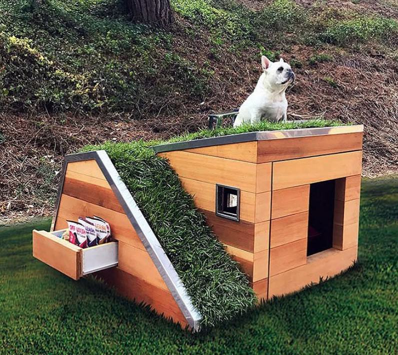 Dog house with stairs and balcony, Awesome dog house, Cool dog house
