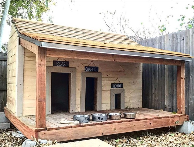 Dog house with porch, Large dog house