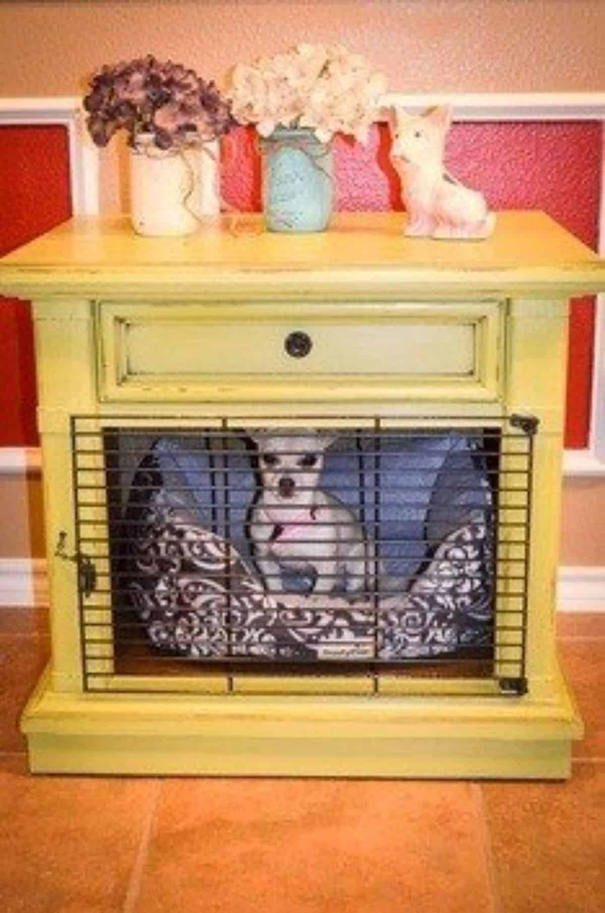 yellow dog crate idea